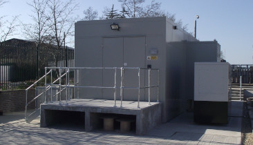 Modular data centre containers